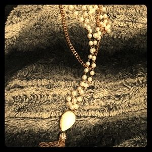 Pretty gold tone and pearl tiered necklace